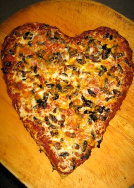 HEART pIZZA !